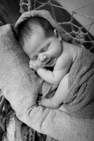 Nelien Le Roux (2019 Newborn) 31