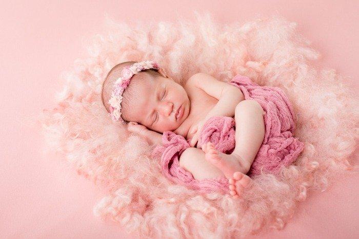 Choosing a Newborn Photographer 11